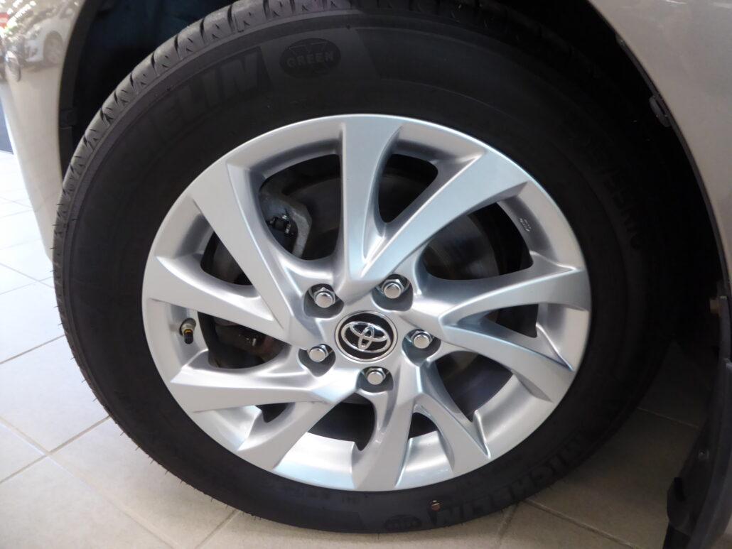 TOYOTA AURIS 1,8 Hybrid Premium 5ov (MY13)