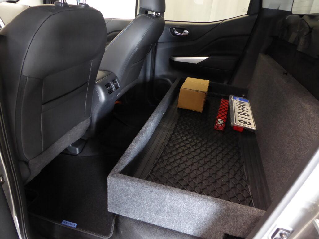 NISSAN NAVARA Double Cab 2,3 dCi 190 N-Guard SV3 2p